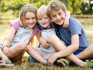 Spiele für Kinder für draußen und zu Hause